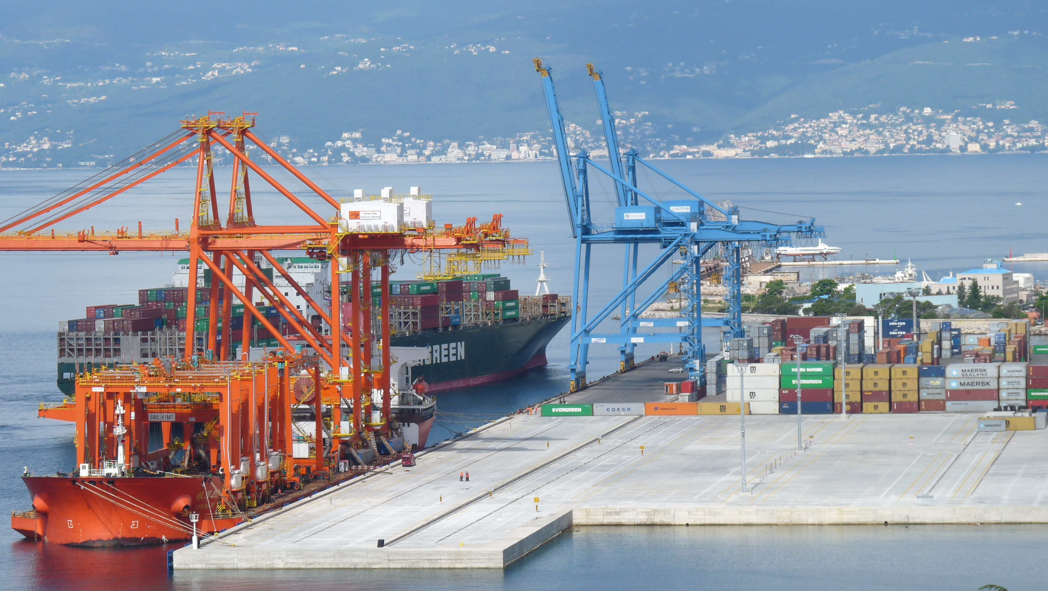 Container terminal Adriatic gate
