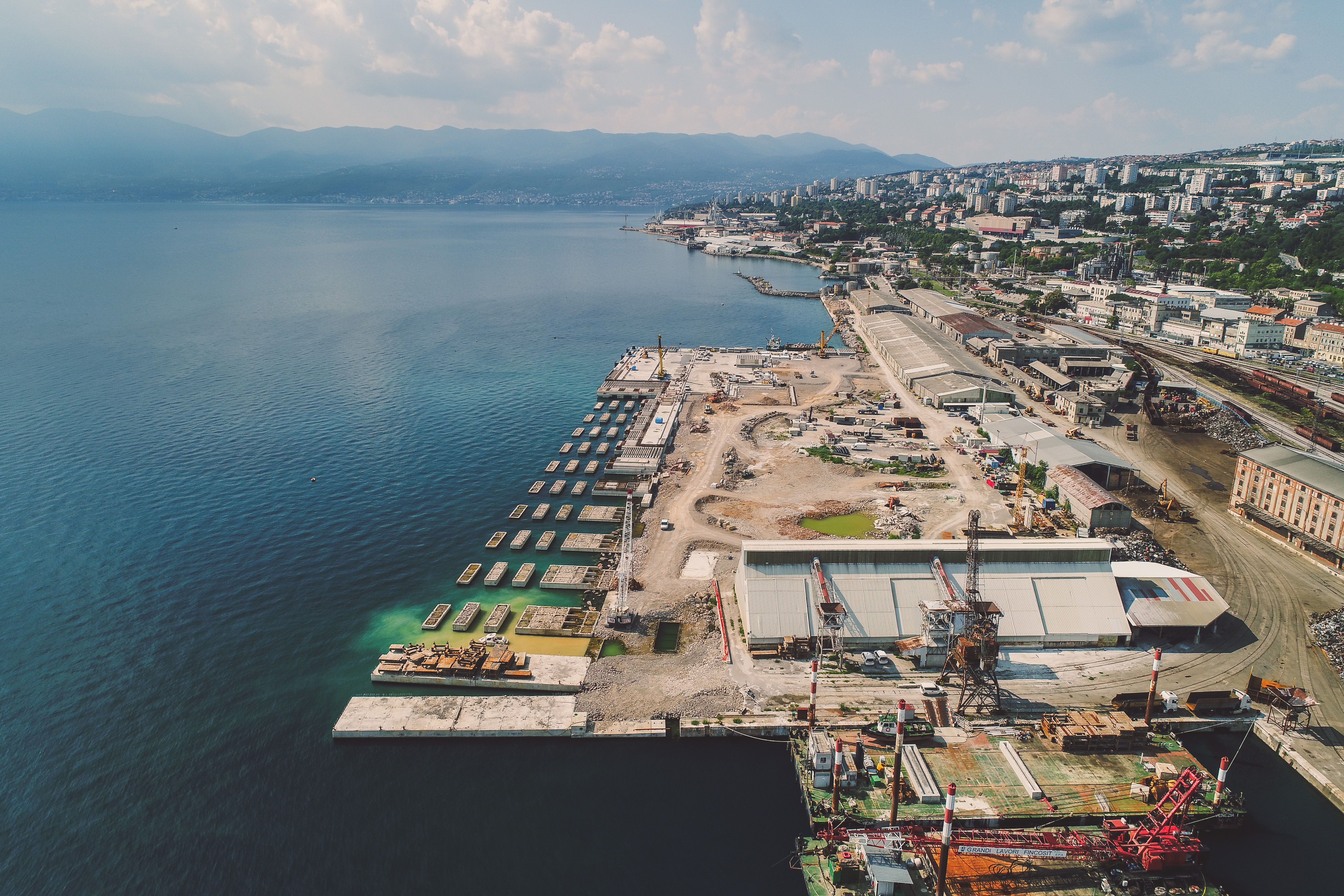 Construction of the new container terminal on Zagreb Pier