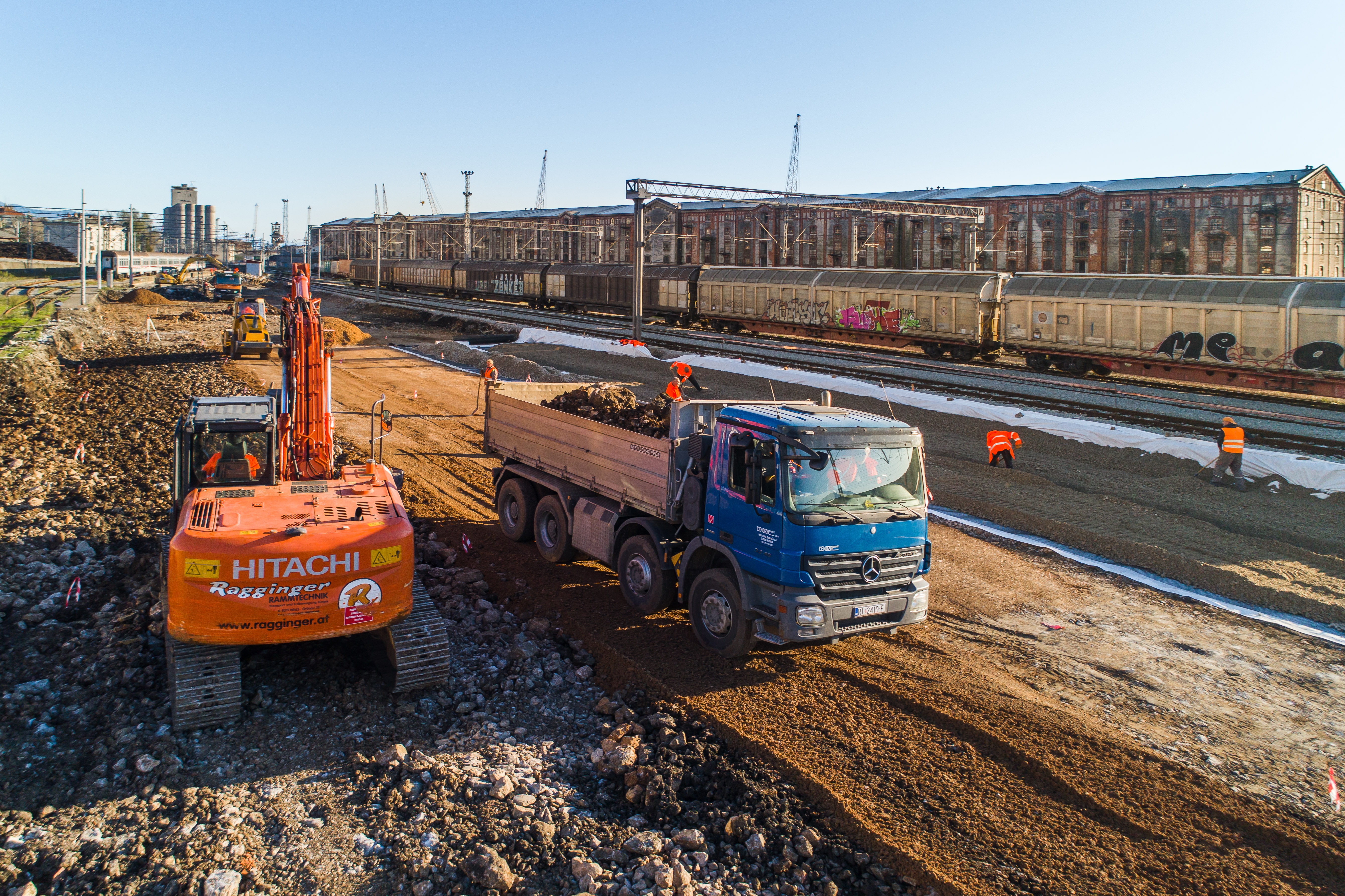 Unaprjeđenje infrastrukture luke Rijeka - kontejnerski terminal Zagreb Deep Sea (POR2CORE-ZCT)