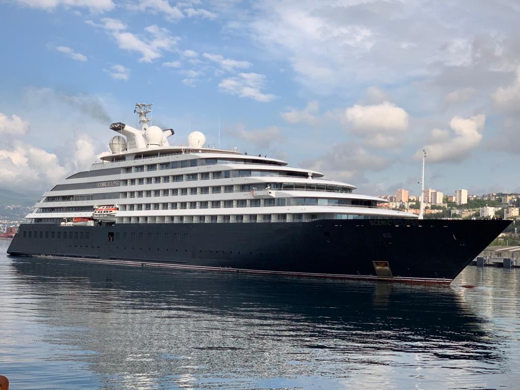 Najluksuzniji ekspedicijski brod u riječkoj luci